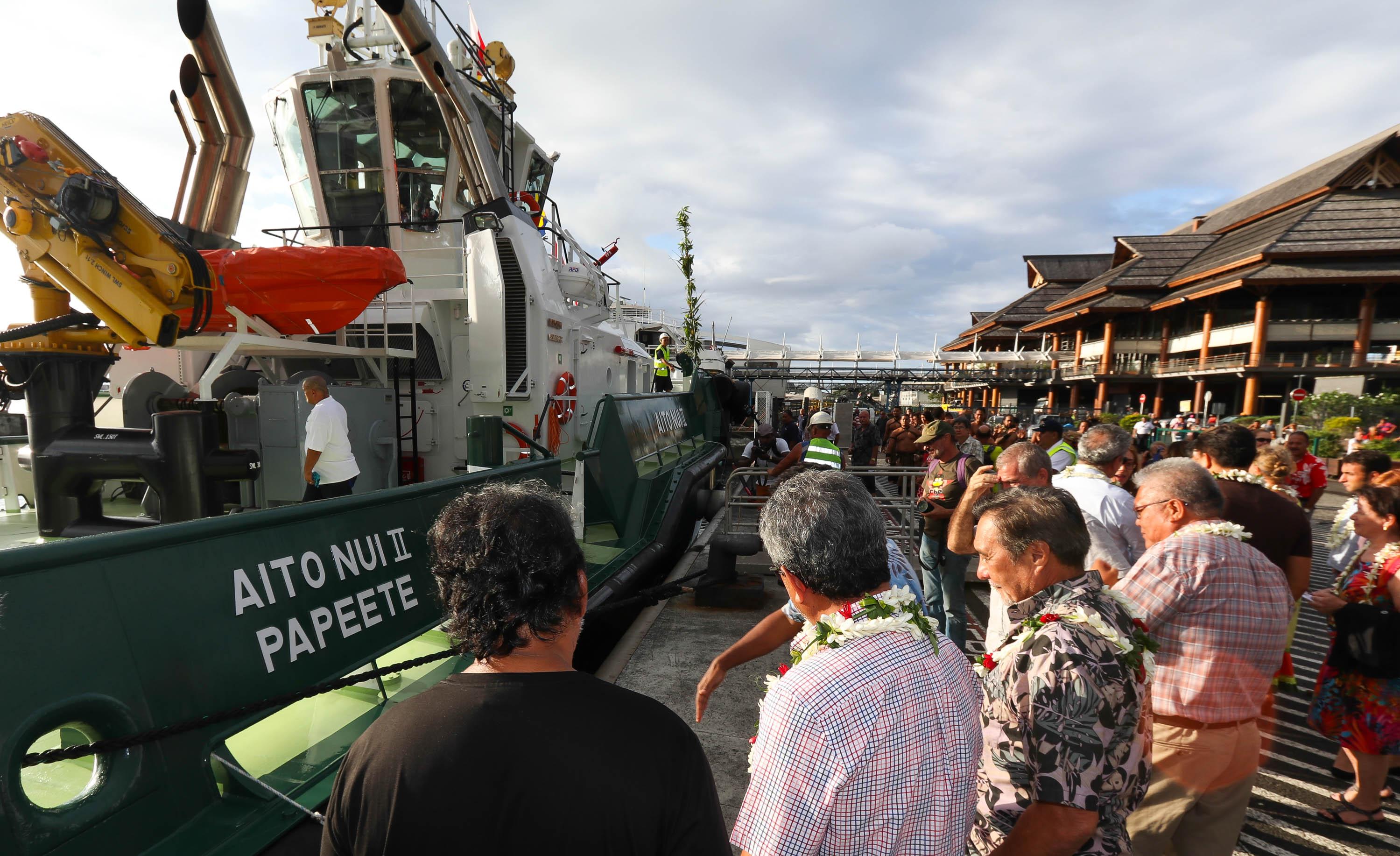 Le baptême du nouveau remorqueur du Port autonome de Papeete en présence des plus hautes autorités du Pays - Photo : Présidence