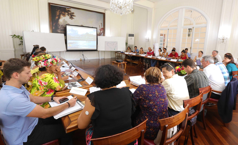Réunion à la Présidence pour le PGEM de Moorea - Crédit photo Présidence de la Polynésie