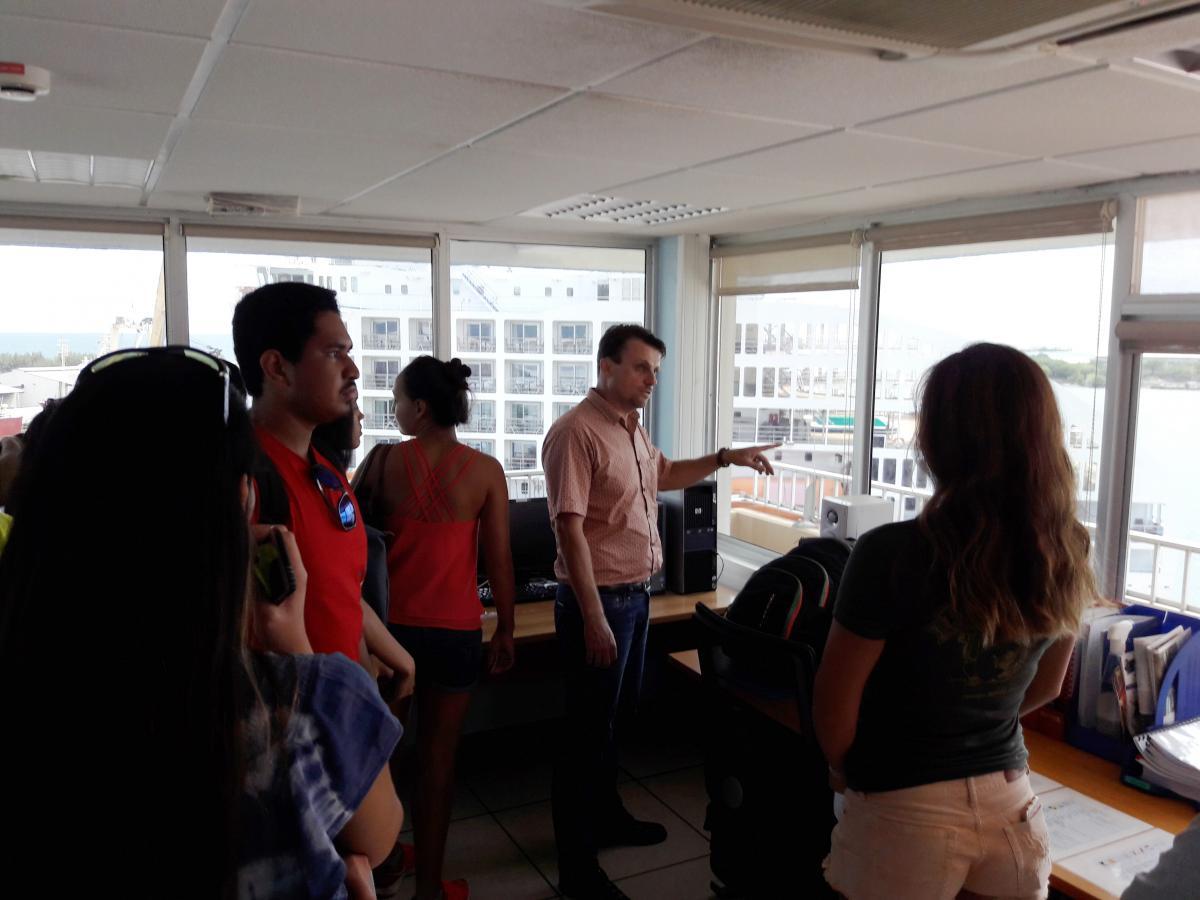 Les étudiants de l'UPF en visite au Port - crédit photo université de la Polynésie