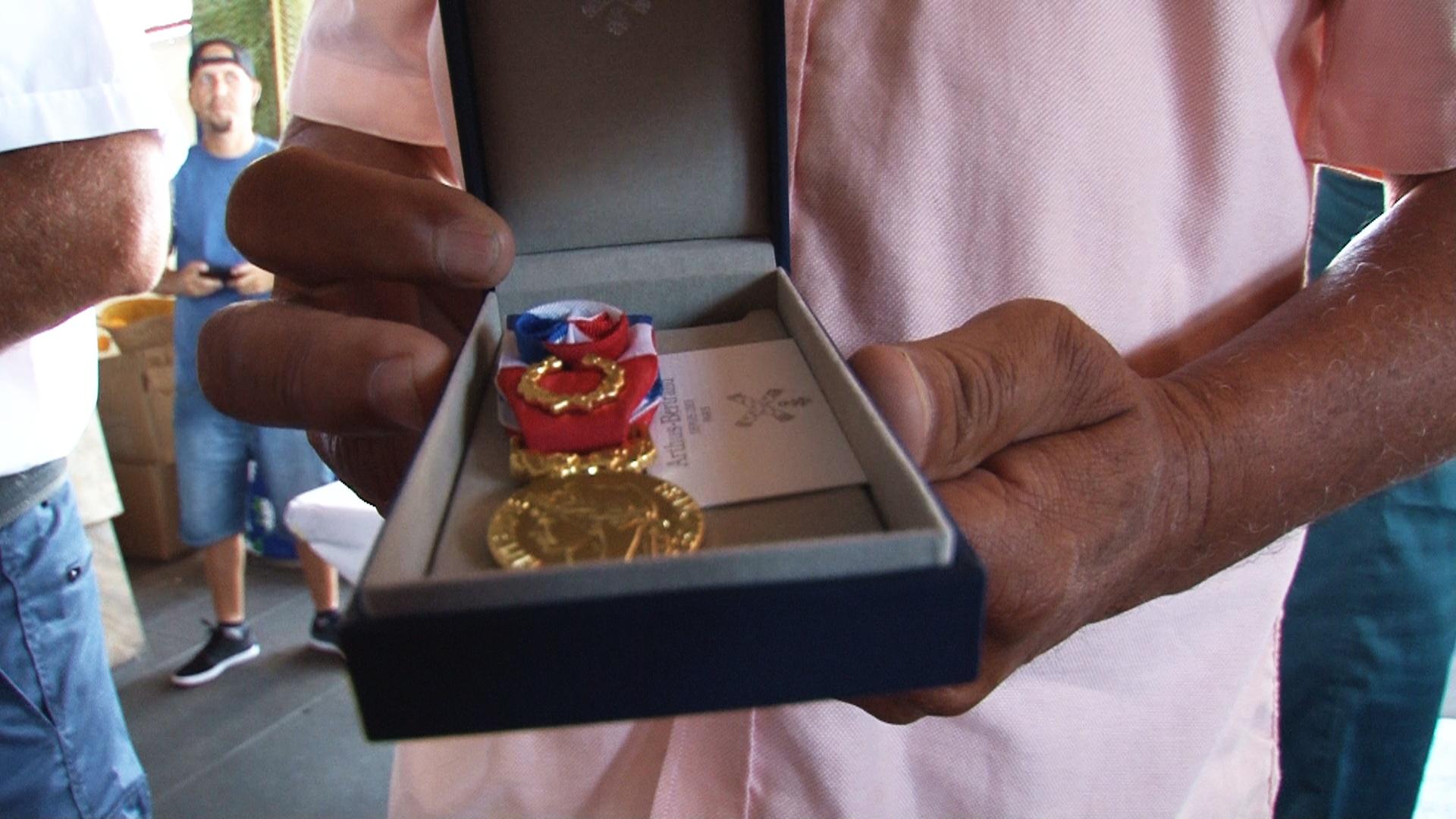 Les agents récompensés par la médaille 15